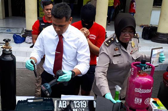 Seorang Pemuda Yang Mencoba Mengebom ATM Berhasil di Amankan Polrestabes Surabaya