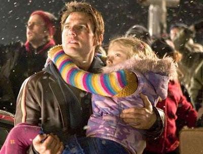 Tom Cruise et Dakota Fanning dans La Guerre des mondes, de Steven Spielberg (2005)