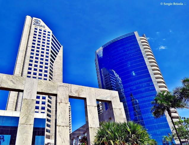 Panoramica do CENU com as fachadas do Hotel Hilton e Tower Bridge Corporate - São Paulo