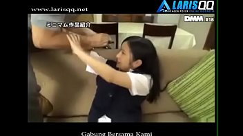 Video Bokep Jepang Anak Kecil Ngentot Isap Kontol Anal Sex