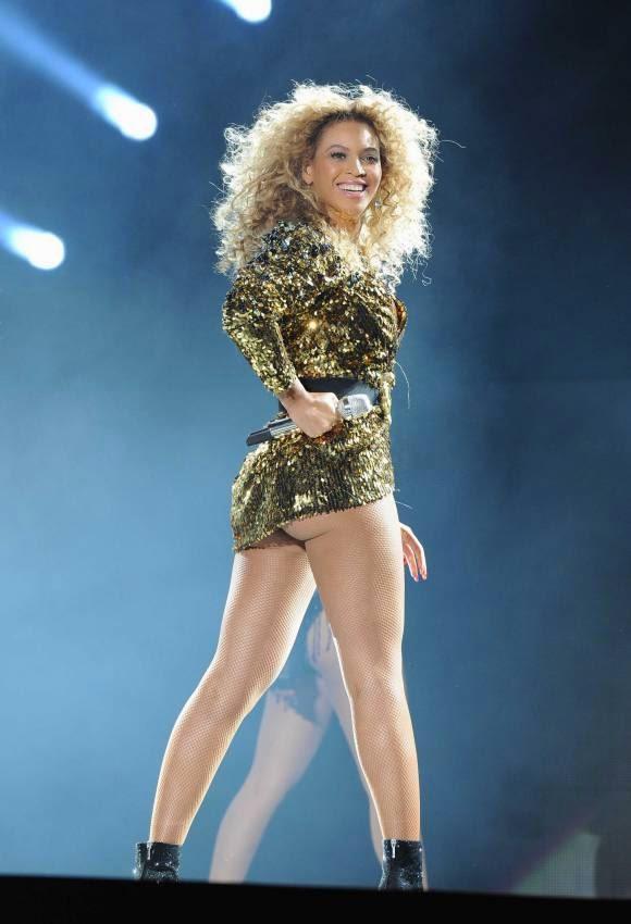 Hot Celebrities Gossips: 17 Of The Biggest, Best Celebrity Butts!
