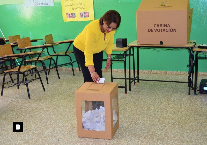 Diputada Miledys Núñez gana candidatura a alcalde del PLD en San Francisco de Macorís