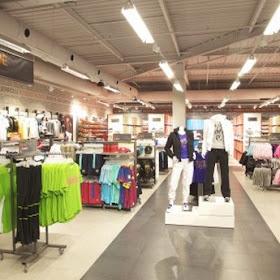 tratar con agenda malta  La Coruña Lifestyle: Night Shopping en The Style Outlets Coruña.