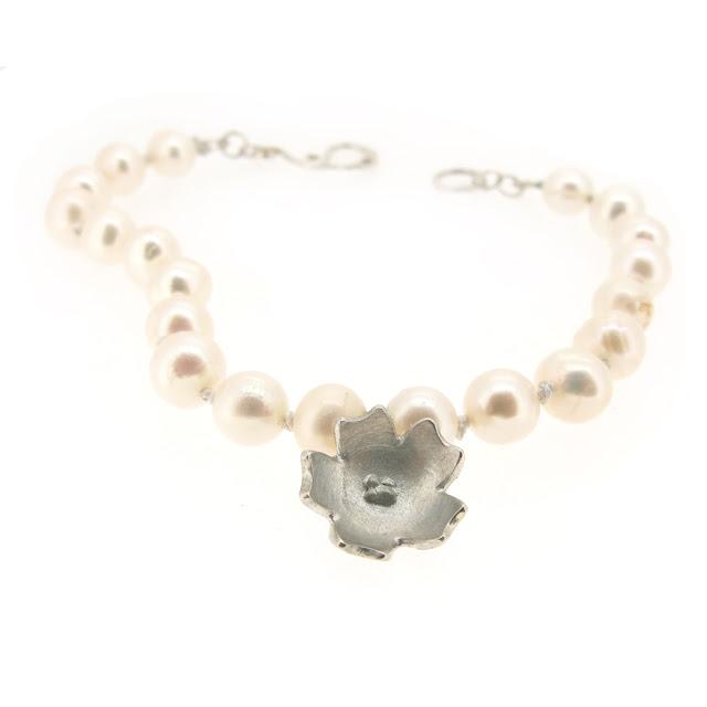 springtime-primrose-flower-pearl-bracelet