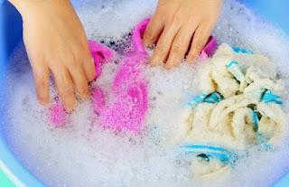 Πώς να απομακρύνετε τη βαφή μαλλιών από τις πετσέτες;