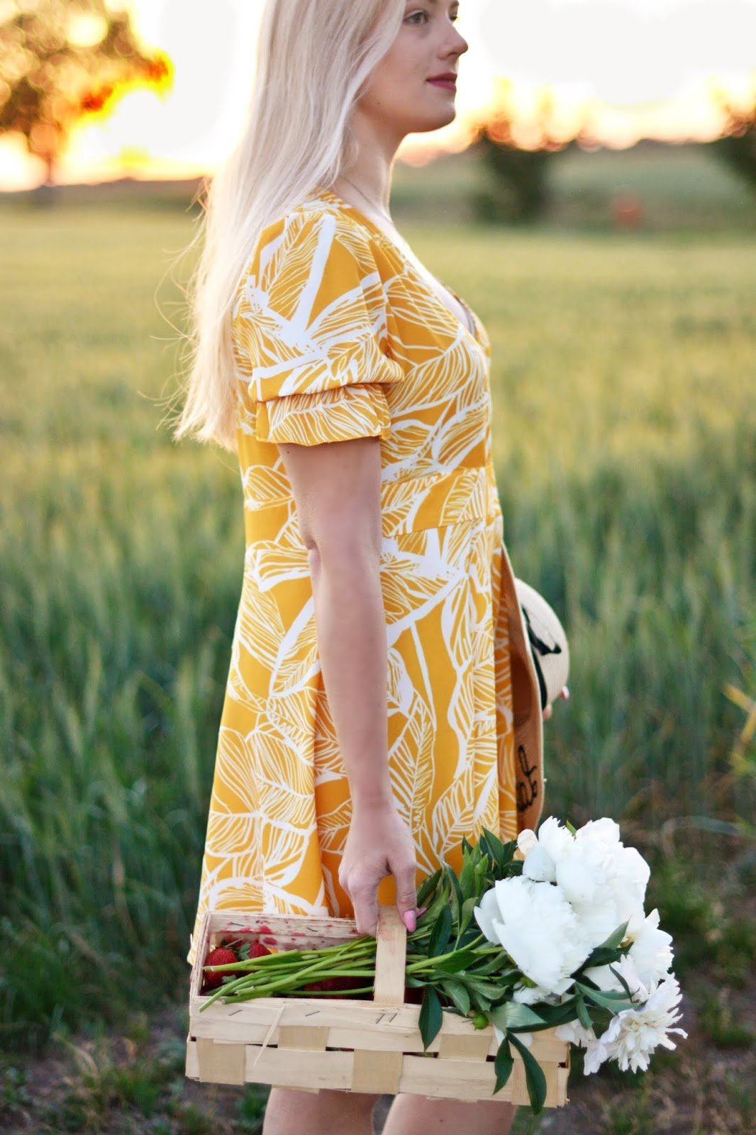 liściasta sukienka