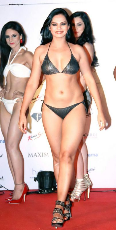 Lingerie Models Walk The Ramp For Kamasutra Miss Maxim