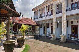Puri Jayaraja Guest house di kuta Bali
