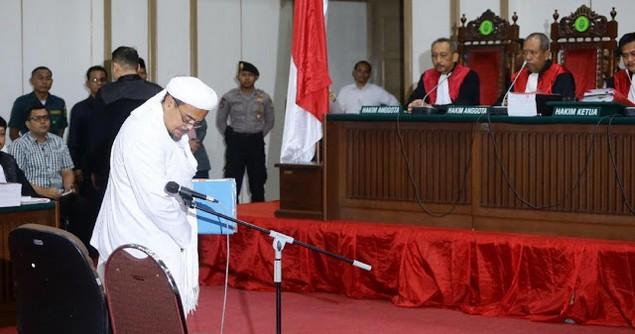 Rupanya Ini Yang Bikin Ahok dan Tim Hukumnya Pucat Pasi Menghadapi Habib Rizieq di Persidangan