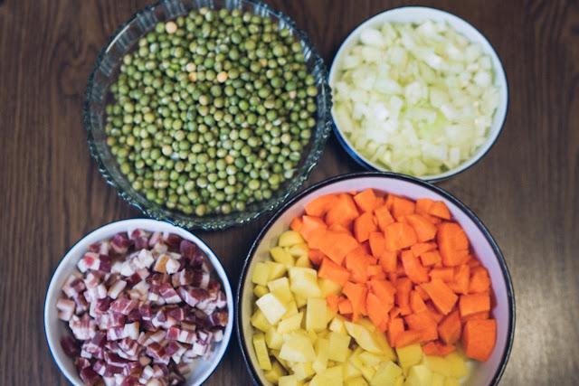 Outdoor Kitchen 10  Erbseneintopf aus dem Dutch Oven  Herzhafte Rezepte für Camping und Trekking 04