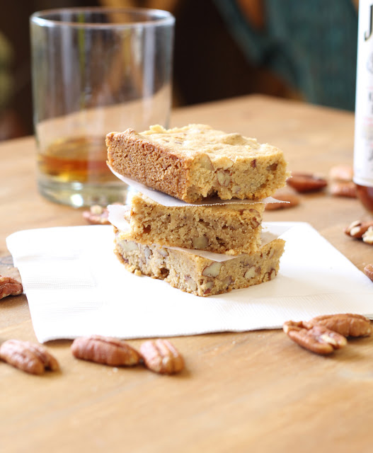 Brown Butter & Bourbon Blondies | sweetpeasandsaffron.com