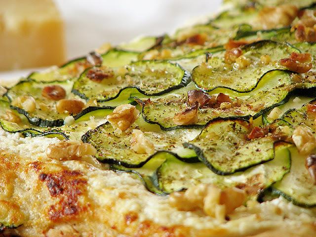 Recette de pizza végétarienne avec de la courgette