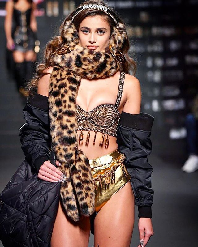 Taylor Hill Hot pictures Share Social Networking Site Instagram Viral