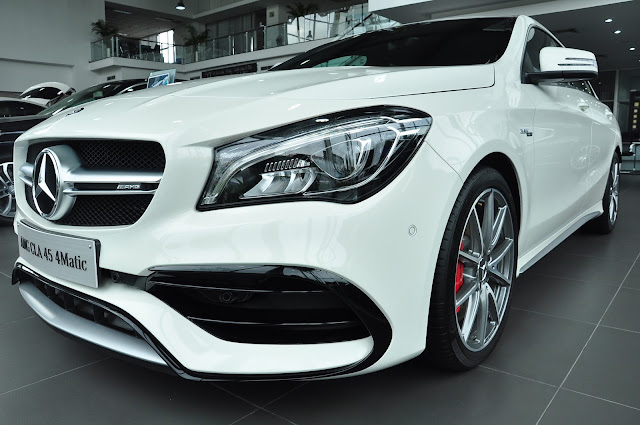 Ngoại thất Mercedes AMG CLA 45 4MATIC 2018 cực kỳ cuốn hút