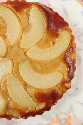 桃のタルトケーキ