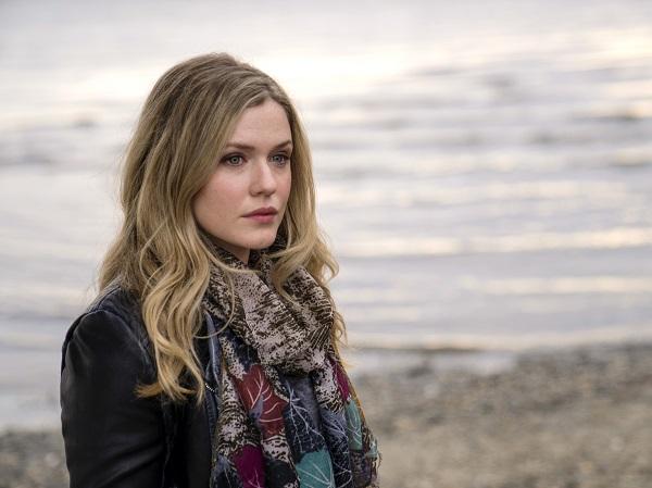 Harriet Dyer plays Cassie Bedford in The Inbetween