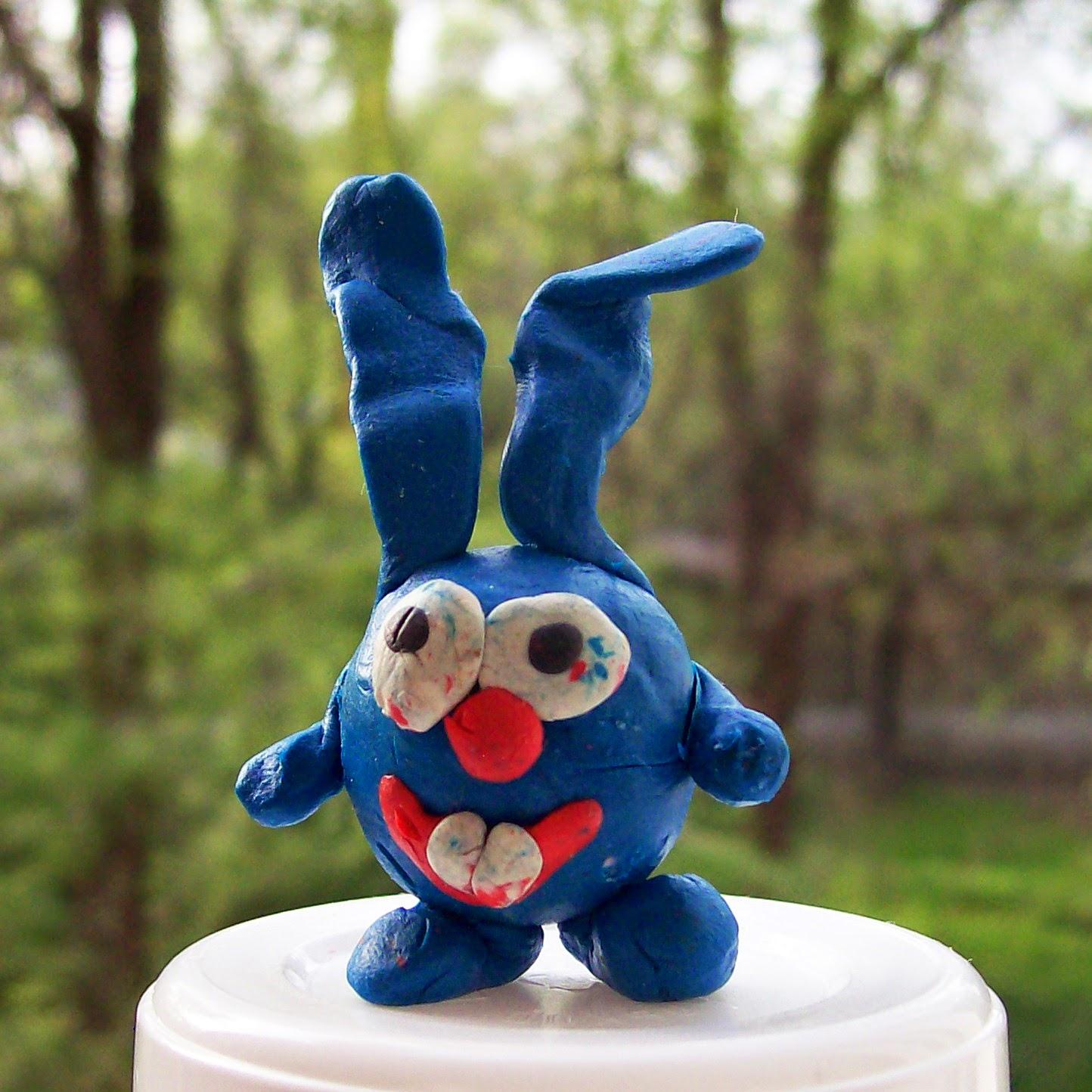 Кролик из смешариков из пластилина