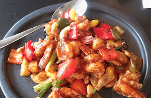 Thai Stir Fried Chicken with Cashew Nuts and Prawns