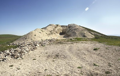 The Archaeology News Network: Tomb of Phrygian king unearthed at ancient Gordion