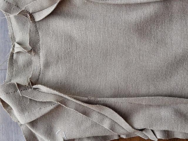 http://www.patronycostura.com/2014/10/confeccion-de-un-vestido-entallado.html