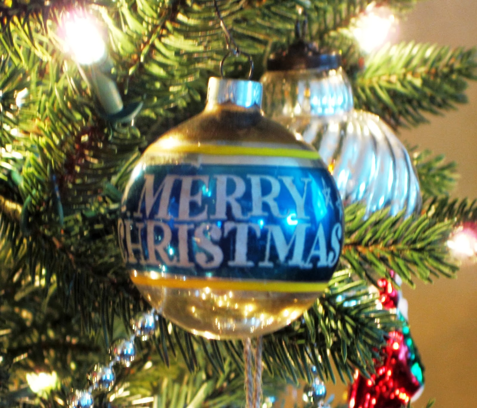 Vintage looking christmas ornaments - I Love The Look Of Vintage Glass Christmas Ornaments This Year For The First Time My Tree Is Outfitted Entirely In Vintage And Vintage Looking Glass