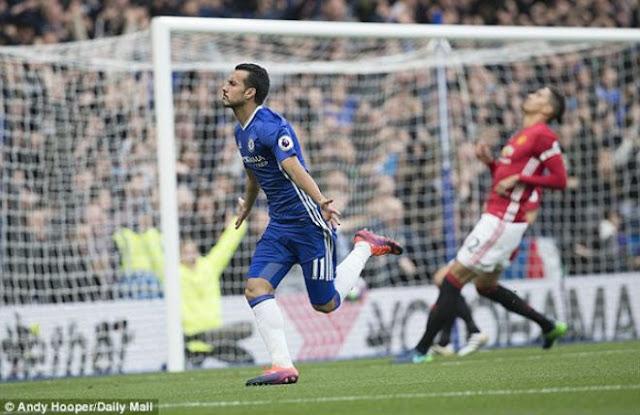 MU khốn khó: Mourinho chưa an toàn, Ronaldo - Chelsea cho bay ghế? 2