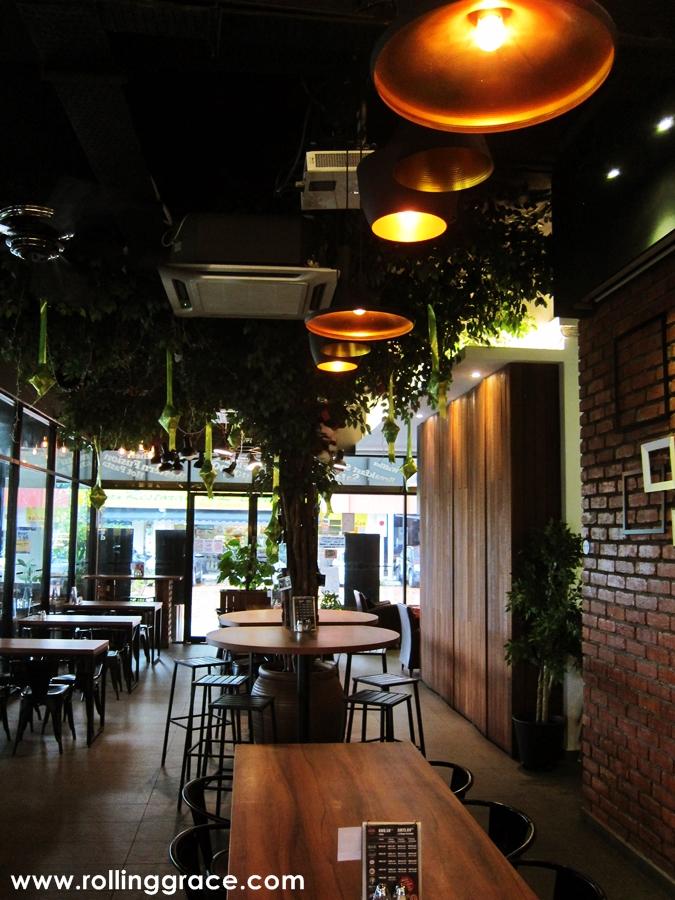 breakfast cafe oasis ara damansara
