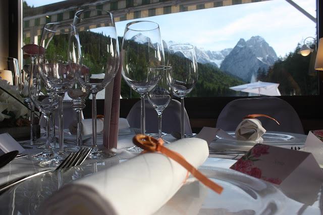 Mai-Hochzeit, may wedding - Hochzeit im Seehaus am Riessersee, Hochzeitshotel Garmisch. #wedding venue #Hochzeitshotel #Garmisch #Bavaria #Bayern