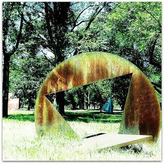 Escultura Sem Título, de Amílcar de Castro - Parque Marinha do Brasil