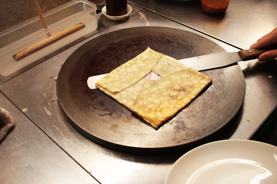 eating crep in japan nara