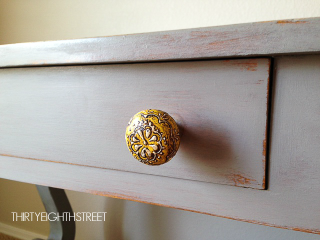 shabby chic furniture, distressed furniture, how to distress furniture, furniture knobs, furniture hardware, annie sloan, chalk paint, diy home improvement, refurbished furniture