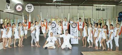 obten-con-aero-yoga-institute-acreditacion-internacional-yoga-alliance-air-aerial-aerien-fly-flying-columpio-hamaca-trapeze-teacher-training-pilates-fitness-coaching-coach-cursos-formacion-seminarios