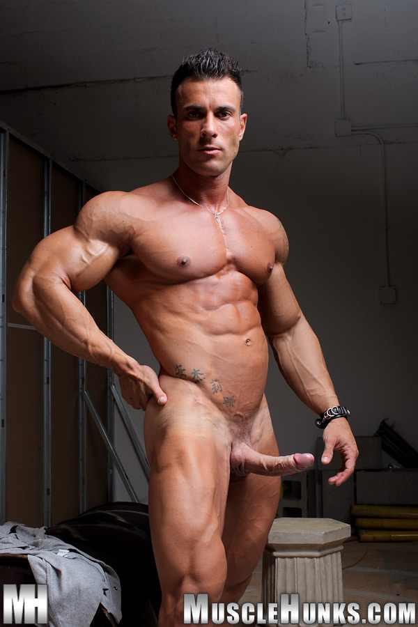 big hung muscle selfie