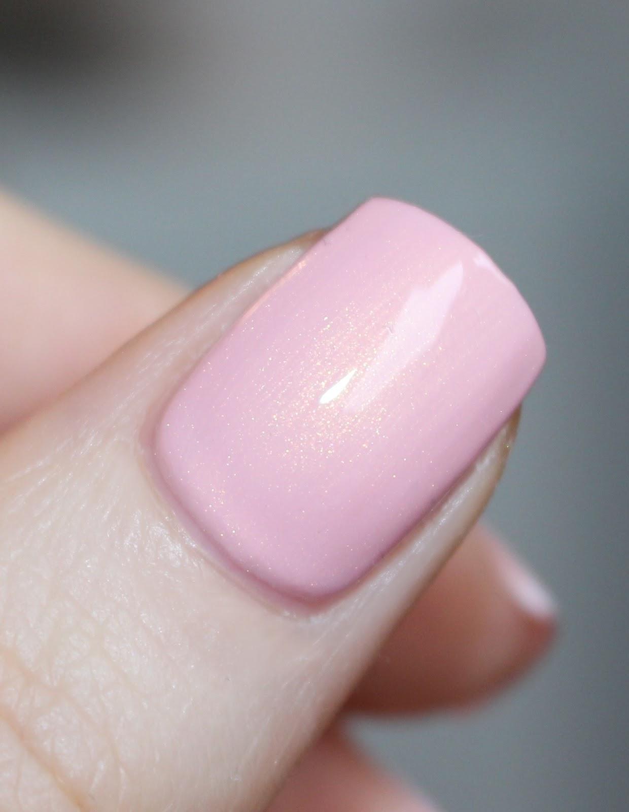 Różowe złoto brokat złoty paznokcie naturalne lakier hybrydowy jaka firma
