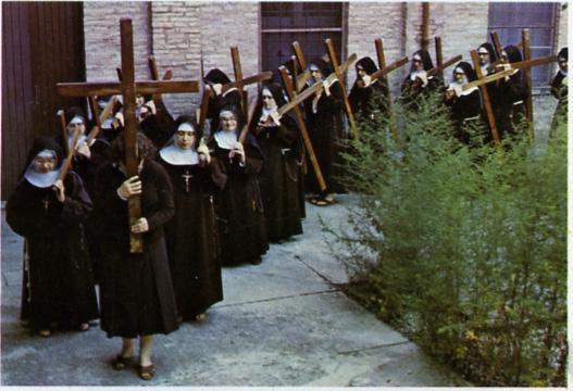 Resultado de imagem para instrumentos da paixão santa veronica capuchinhas via sacra
