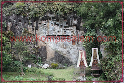 Graves at Lemo, Tana Toraja.