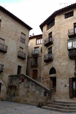 pelleric , Valderrobres, Valdarrores, plaza, plasa, escales, escaleras