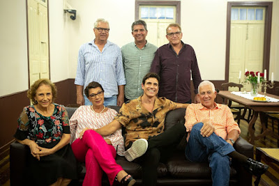 Reynaldo Gianecchini e a família no 'Visitando o Passado' — Foto: Isabella Pinheiro/Gshow
