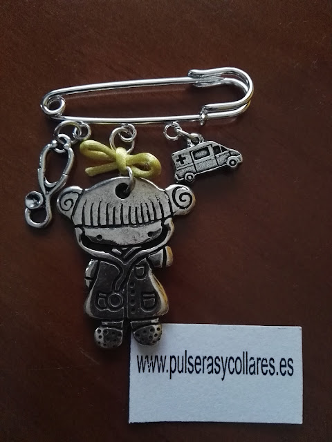 BROCHE DE DOCTORA DE UVI MOVIL