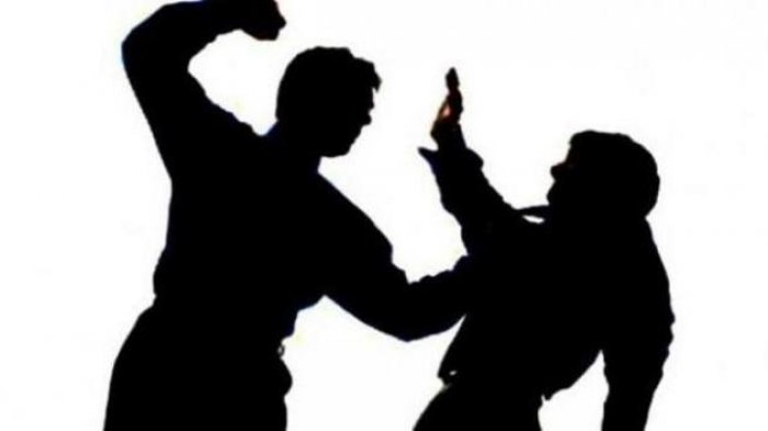 Cuma Gara-Gara Kursi, Dua Pedagang Duel