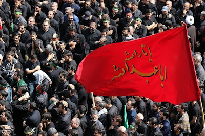Day of Ashura is the day of sorrow and grief for Shia Muslim and all the people who love Hussain from different religions. Shia muslim dressed in black, take part in the Ashura processions to commemorate the martyrdom anniversary of Imam Hussain and all 72 of his companions. This year, Muslims will honor Imam Hossein by participating in Ashura ceremony on the sunset of Wednesday, the 19th of September.