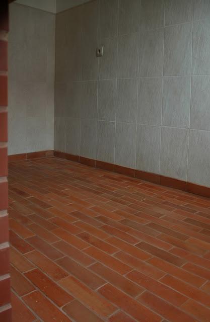 Ceglana podłoga w kuchni