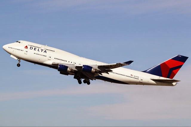 Avião Delta