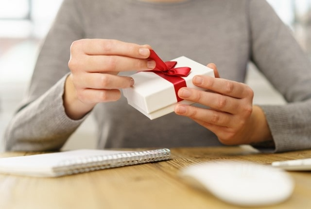 best office gifting tips gifts for coworkers etiquette how to say no gift boundaries