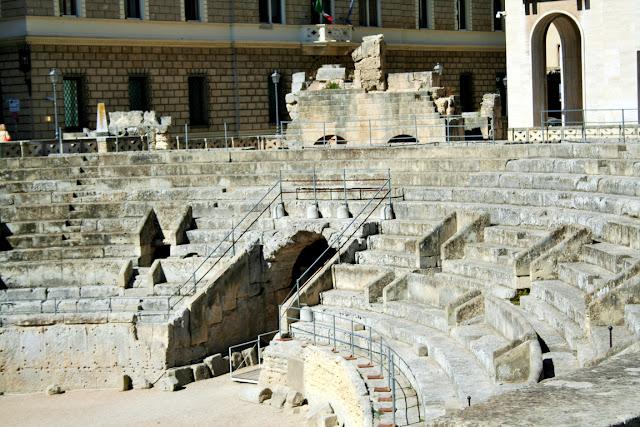 anfiteatro, monumento, gradinate, monumento romano
