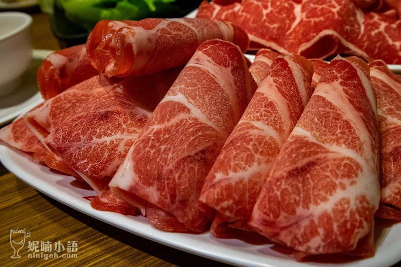 【新北市美食】詹記麻辣火鍋新莊總店。限量加點的果凍鴨血名不虛傳