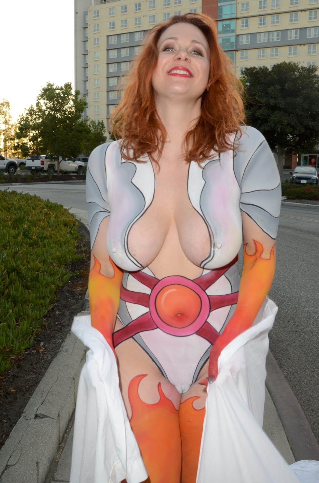 Maitland Ward Goes Nude To Comic-Con In Body Paint -1669