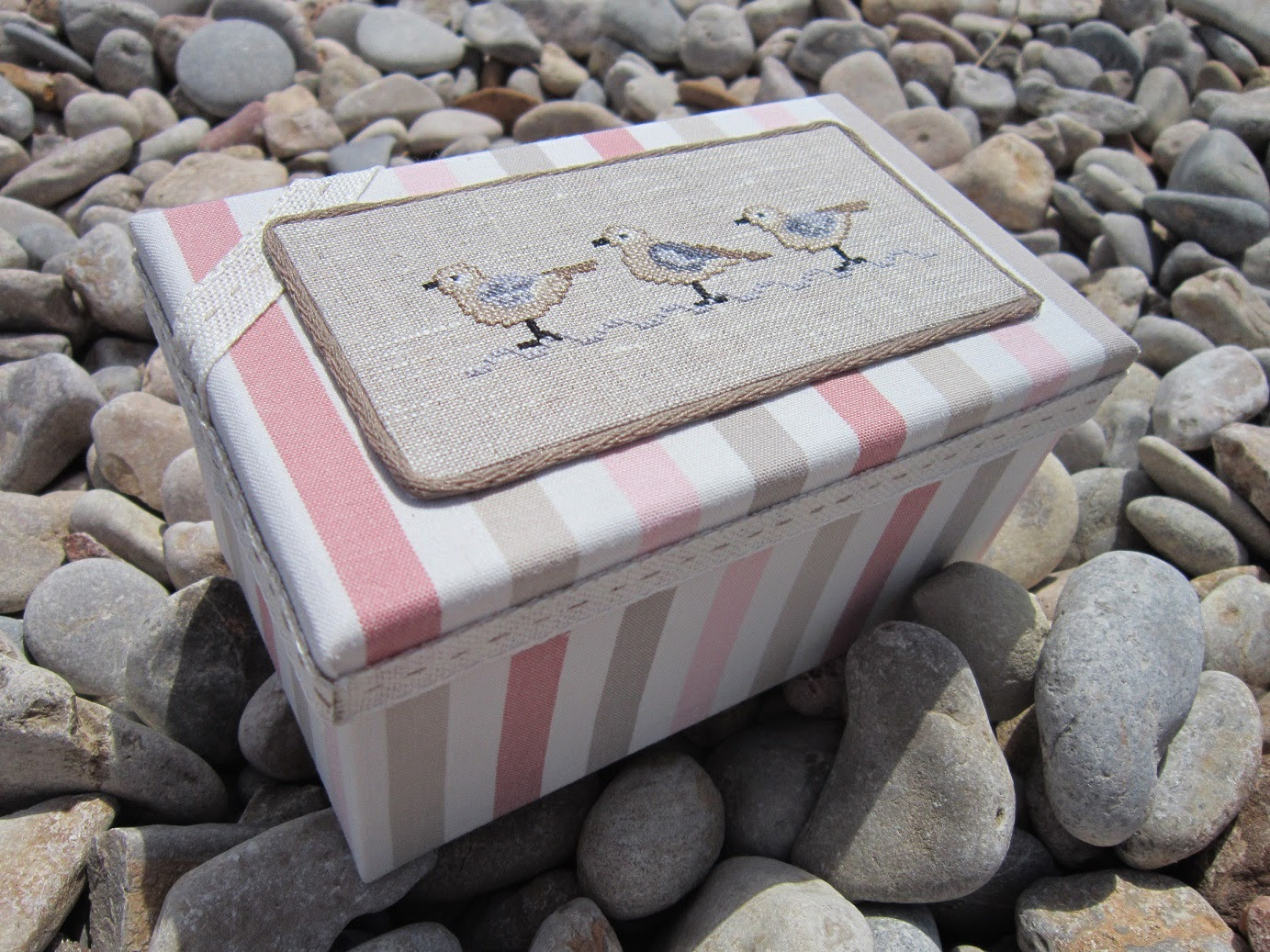 punto cruz, point croix, cross stitch, caja, box, boite, gaviota, seagull, playa, beach, plage