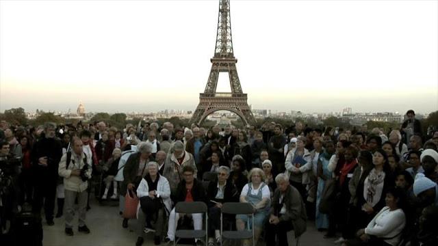 Franceses se manifiestan contra la miseria y la pobreza