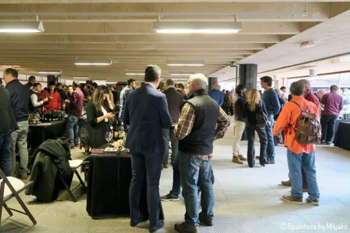 Salón de Vinos Radicales Madrid マドリードで開催されたスペインワインの試飲会の様子